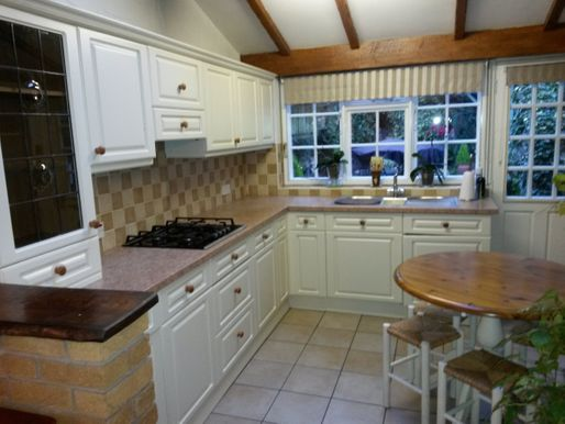 Before image of a Kitchen before kitchen doors are resprayed